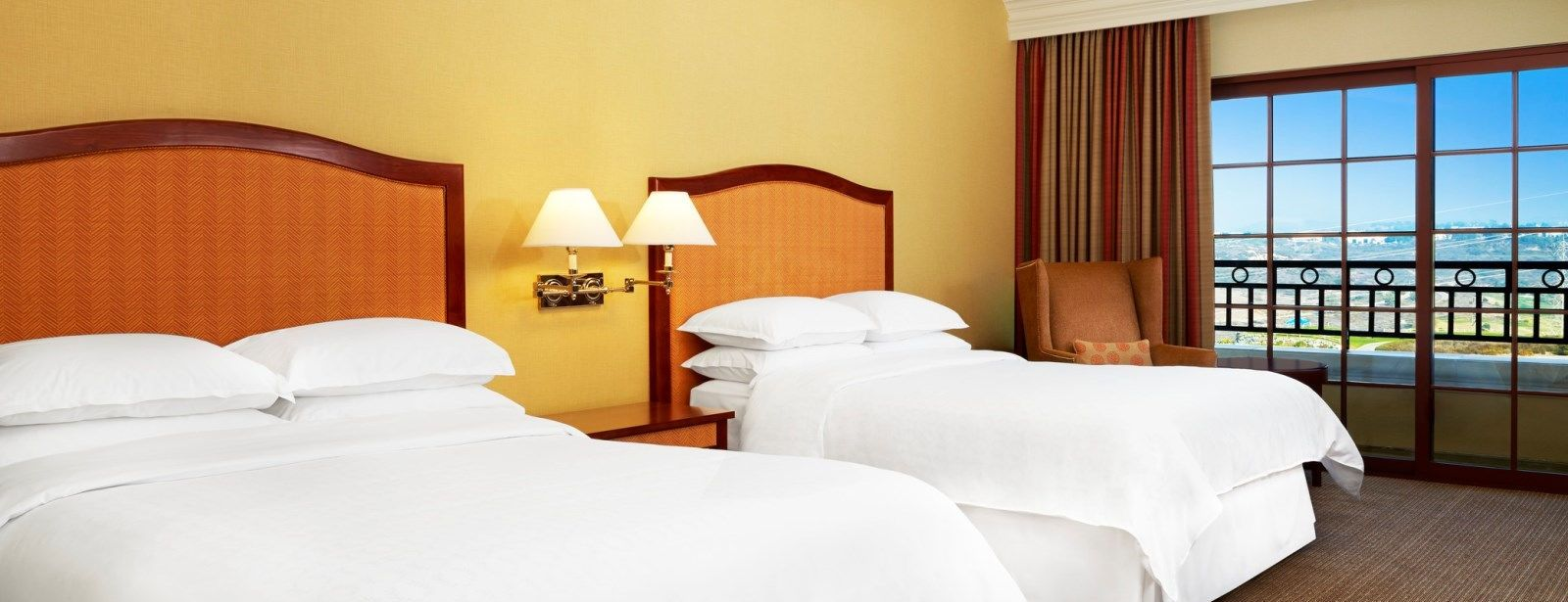 Guestroom Accommodations - Sheraton Carlsbad Resort & Spa